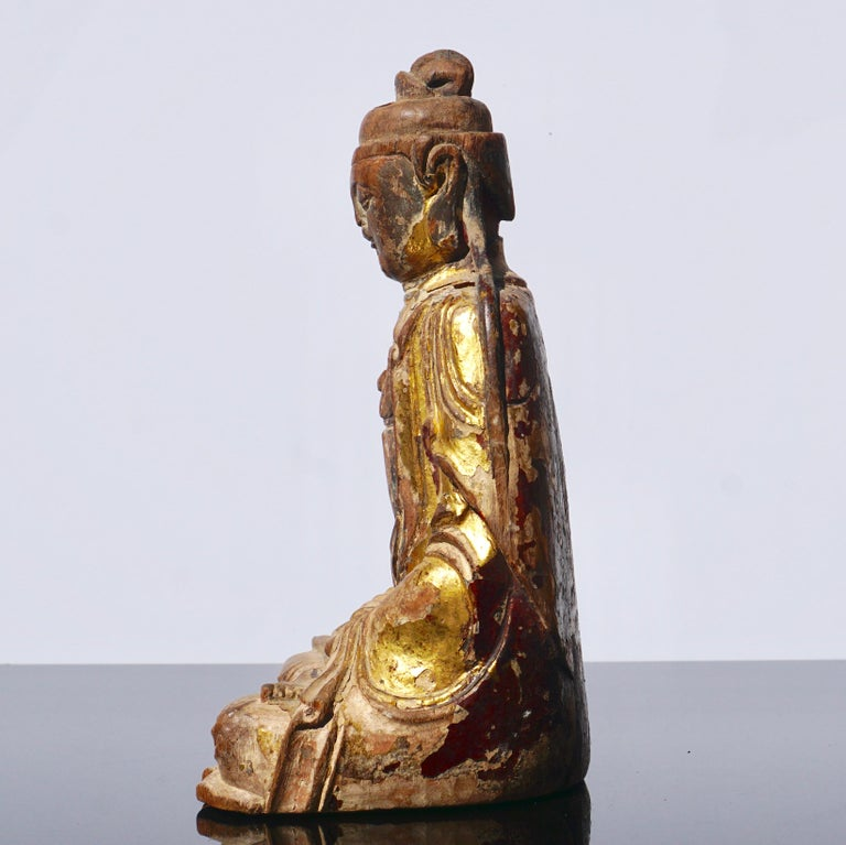 Ming Dynasty Gilt Carved Buddha Statue In Fair Condition In Dallas, TX
