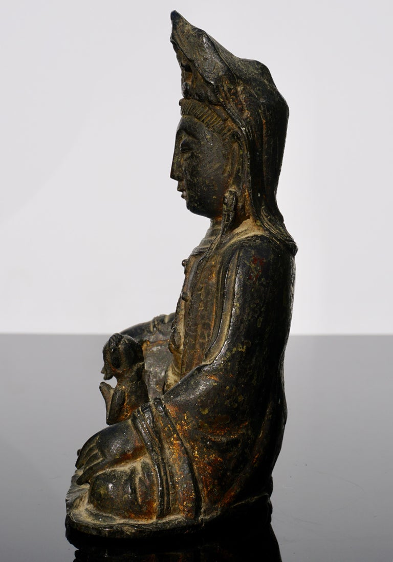 Ming Dynasty Gilt Lacquered Bronze Songzi Guanyin In Good Condition For Sale In Dallas, TX