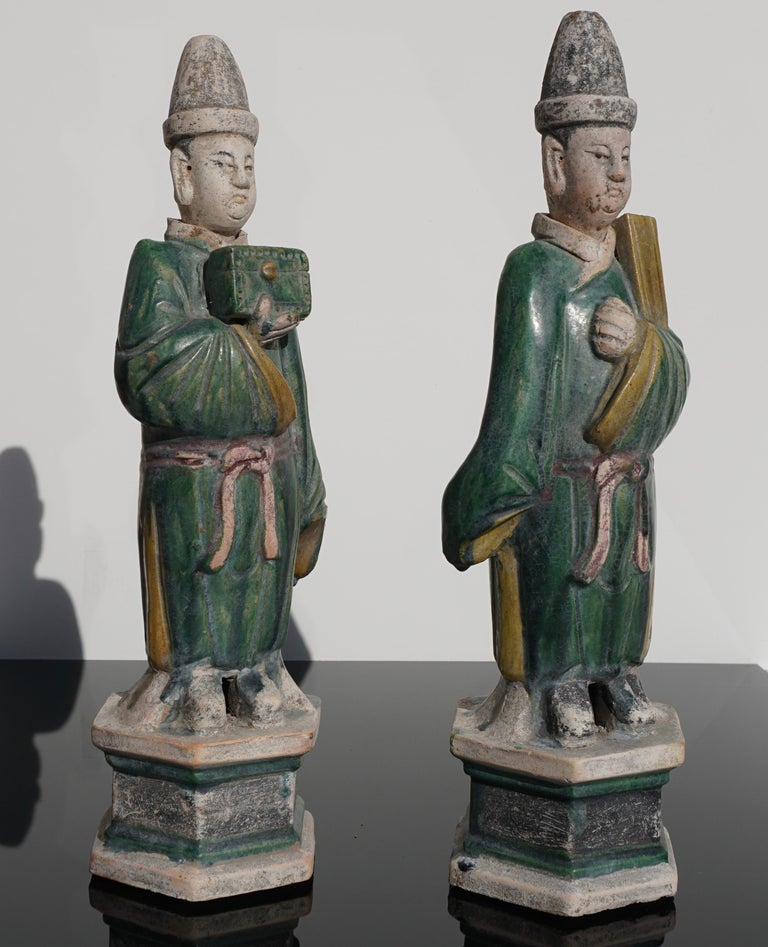 Ming Dynasty Sancai Glaze Dignitary Tomb Attendants 16th Century In Excellent Condition For Sale In Dallas, TX
