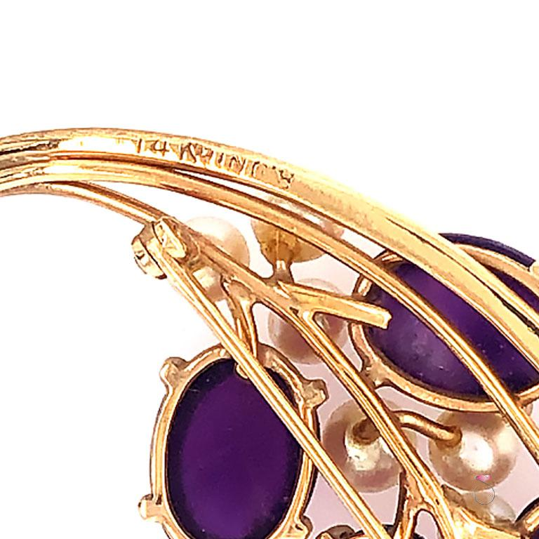 Ming's Hawaii Amethyst and Akoya Pearl 14 Karat Yellow Gold Floral Brooch In Excellent Condition For Sale In Honolulu, HI