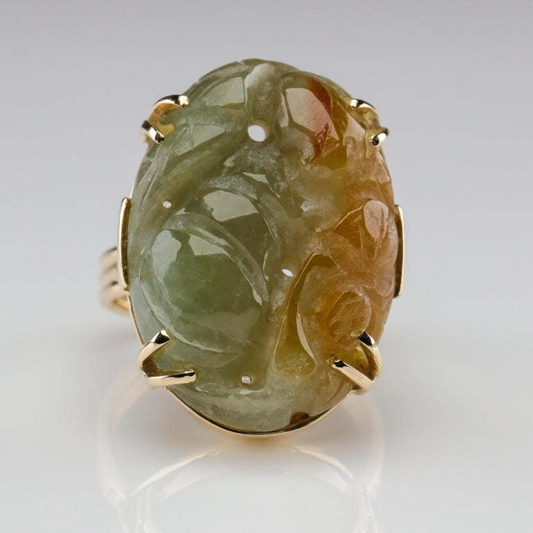 Ming's Jade Ring from Midcentury For Sale 1