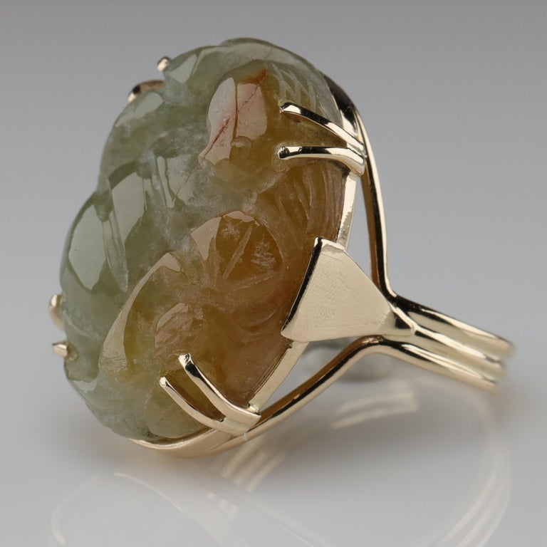 Ming's Jade Ring from Midcentury For Sale 2