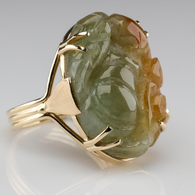 Ming's Jade Ring from Midcentury For Sale 3