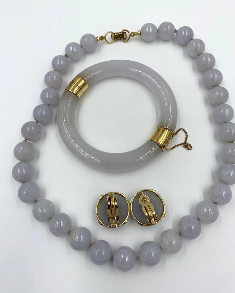 Mings Lavender Jade Earrings Bangle Bracelet Necklace 14 Karat Gold Suite Parure For Sale 5