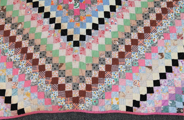 Mini Pieced Postage Stamp '7000 Pieces' Trip Around The World Quilt In Good Condition For Sale In Los Angeles, CA