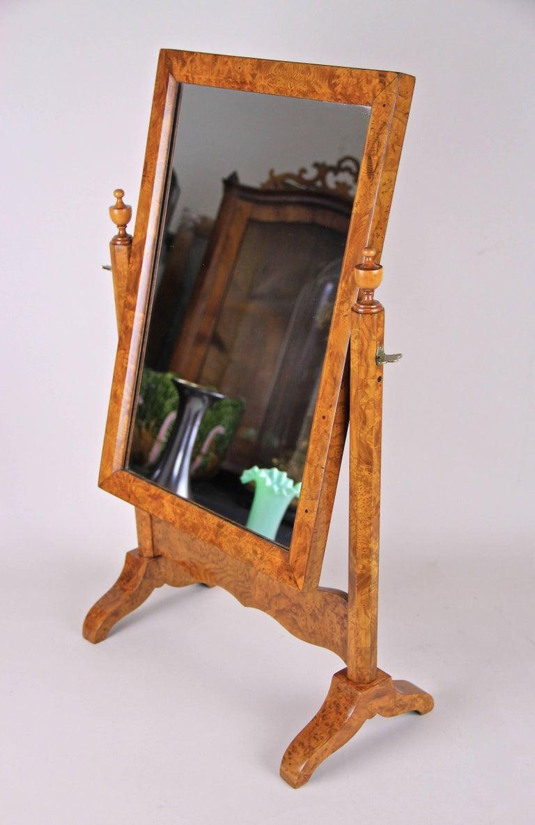 Miniature Biedermeier Vanity Mirror Bird's-Eye Maple, Austria, circa 1870 For Sale 4