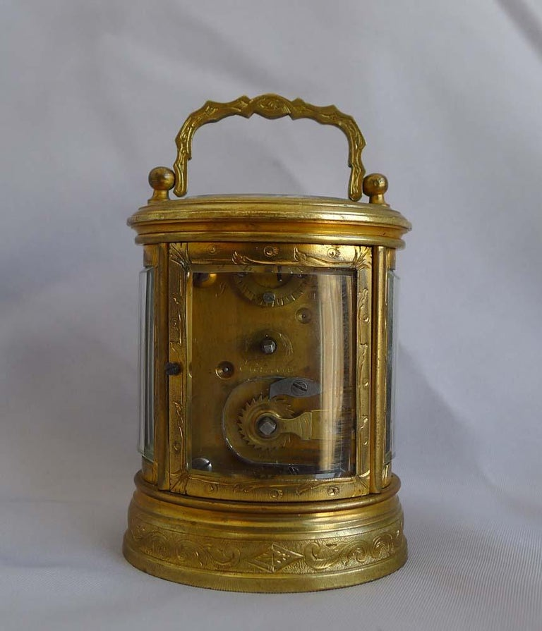 Miniature French Oval, Engraved Carriage Clock In Good Condition For Sale In London, GB