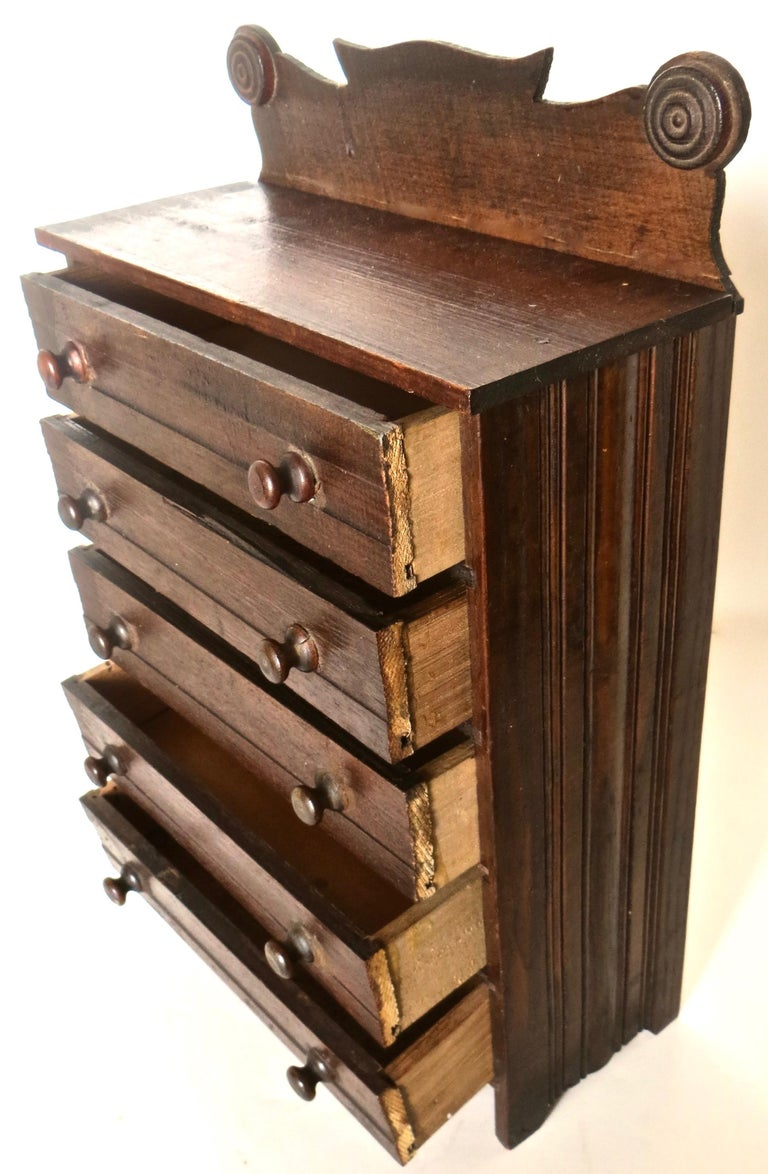 Miniature Salesman's Sample Victorian Chest of Drawers, American In Good Condition For Sale In Incline Village, NV