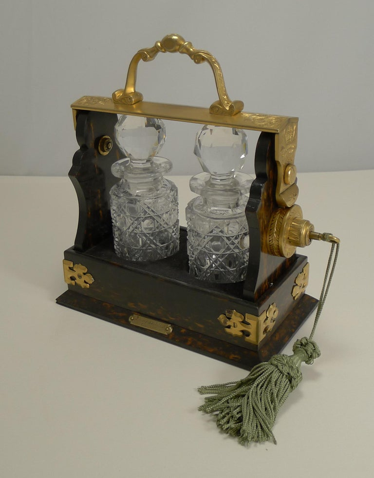 Miniature Stagecoach Tantalus by Betjemman's, London, circa 1890 For Sale 4