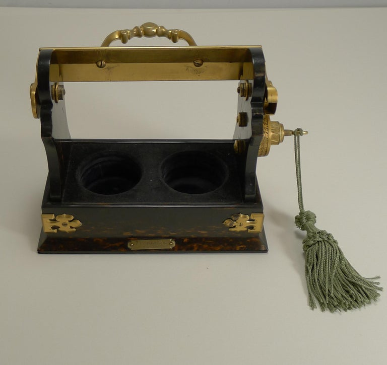 Miniature Stagecoach Tantalus by Betjemman's, London, circa 1890 For Sale 3