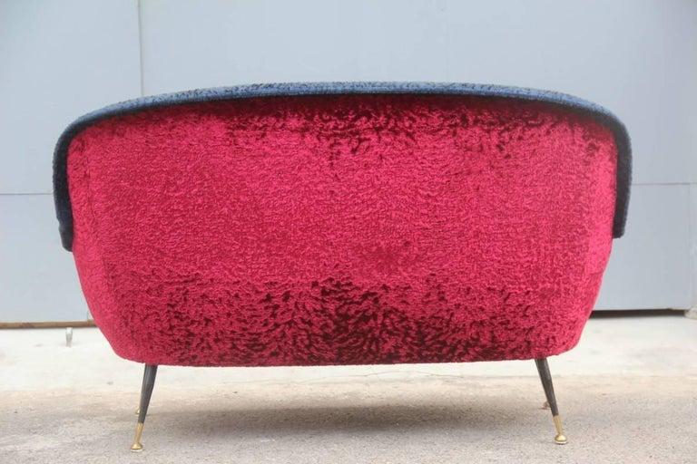 Mid-Century Modern Italian Sofa 1950s Design Minotti Gigi Radice Blu Red Color  For Sale 4