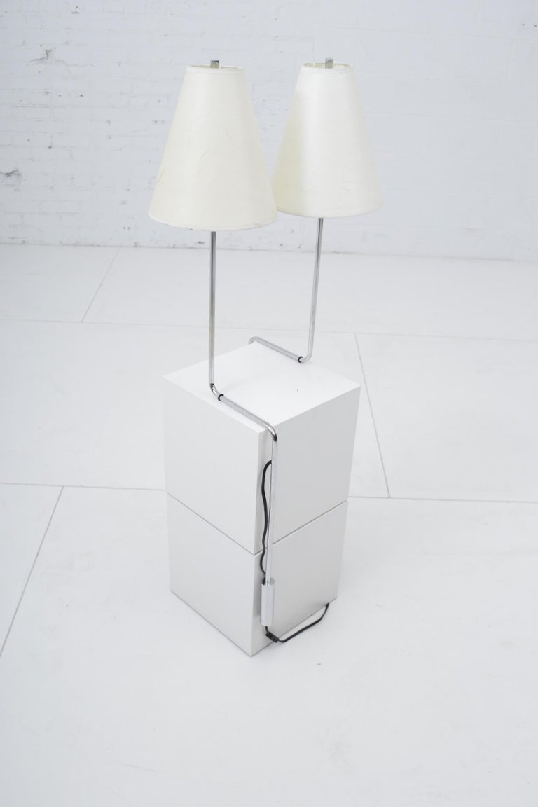 Minimalist Chrome Counterbalance Table Lamps In Good Condition For Sale In Chicago, IL