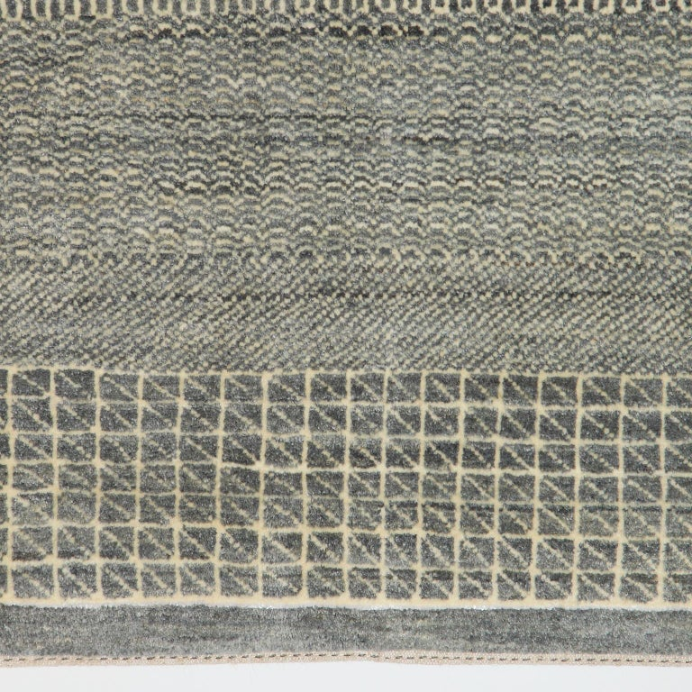 Minimalist Contemporary Persian Area Rug, Gray and Cream in Pure Wool In New Condition For Sale In New York, NY
