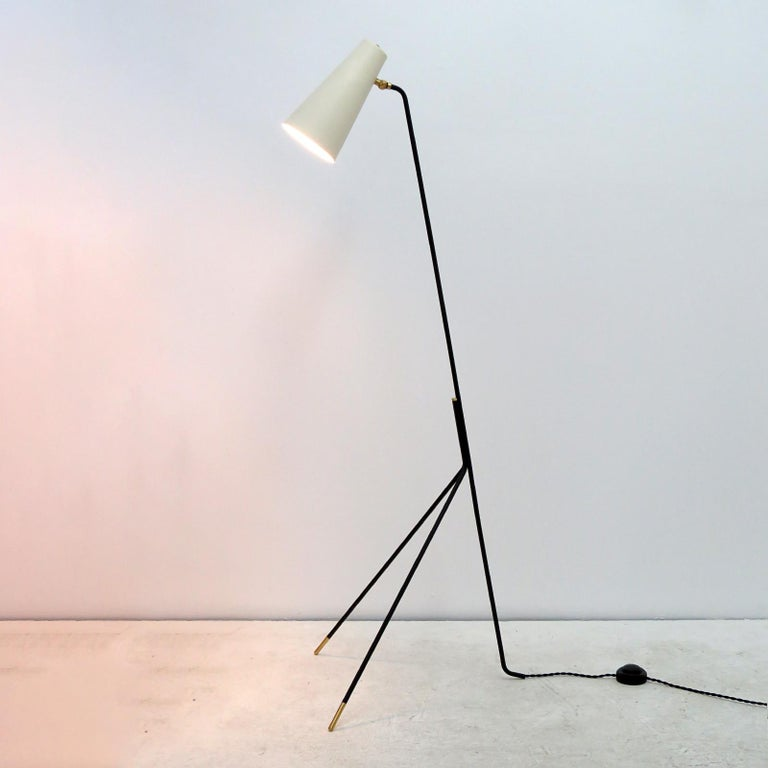 Minimalist Floor Lamp 'Apex' by Gallery L7 For Sale 2