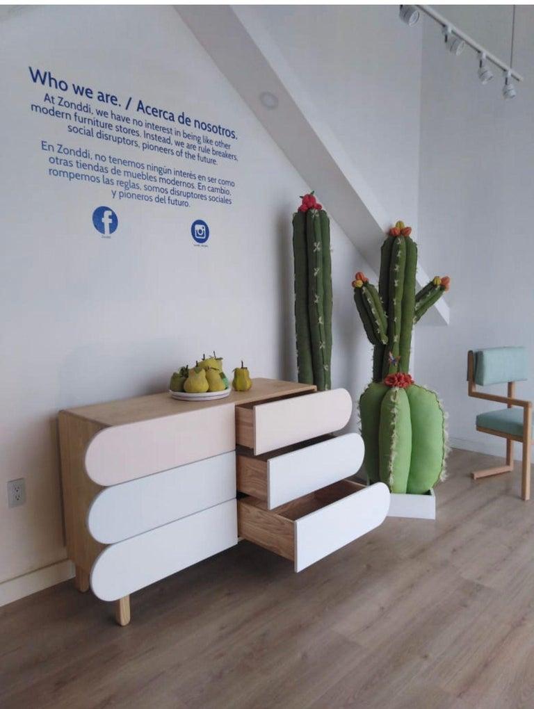 Minimalist Mid-Century Modern Dresser in Solid Wood In New Condition For Sale In San Miguel de Allende, Guanajuato