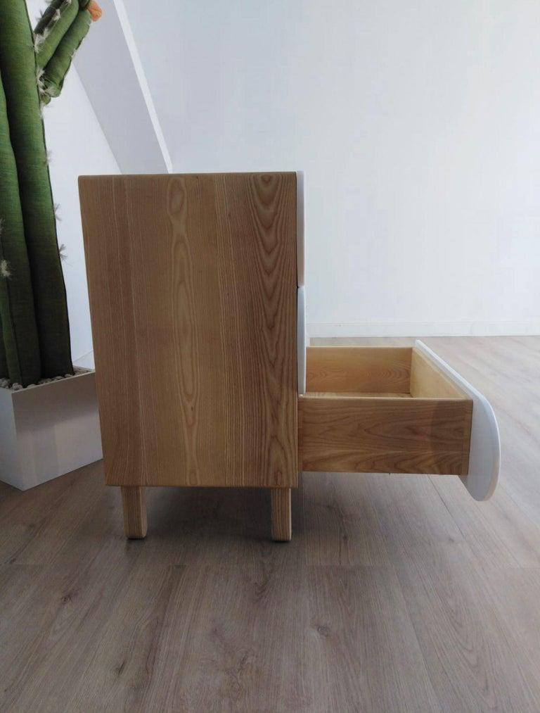 Minimalist Mid-Century Modern Dresser in Solid Wood For Sale 1