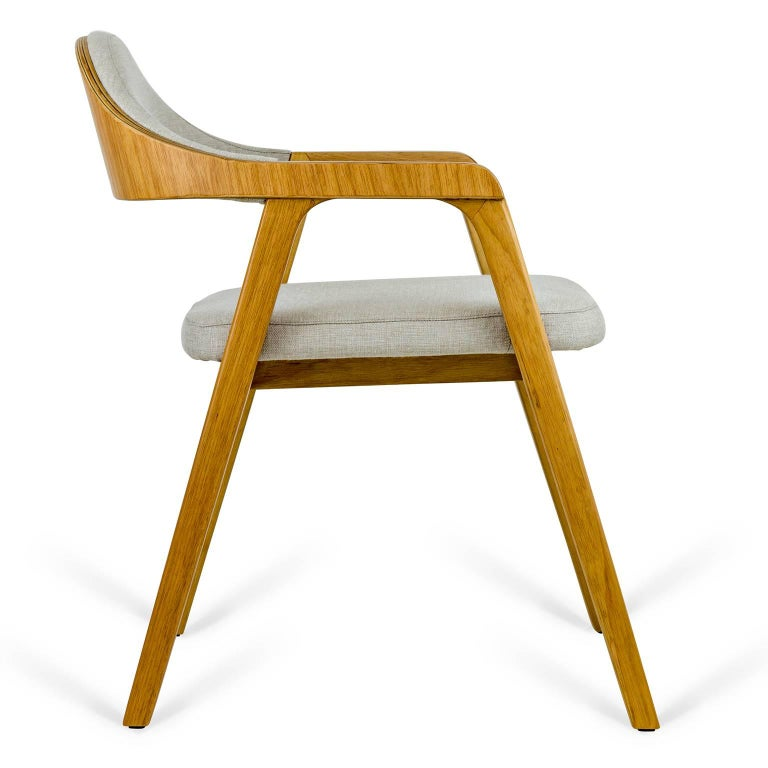 Minimalist Modern Armchair in solid wood, Brazilian Design In New Condition For Sale In Sao Paolo, SP