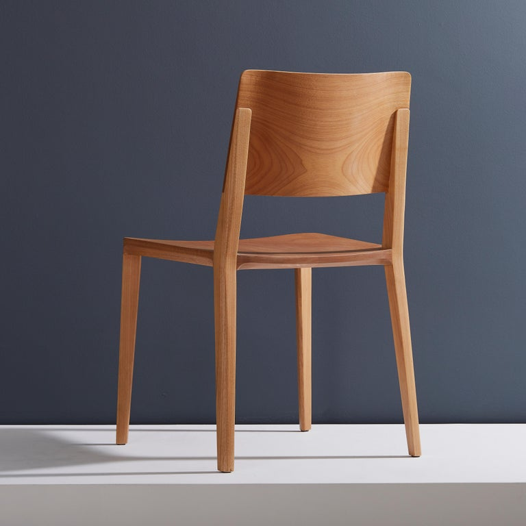 Minimalist Modern Chair in Natural Solid Wood In New Condition For Sale In Sao Paolo, SP