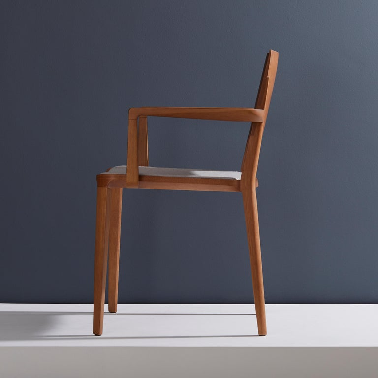 Minimalist Modern Chair in Natural Solid Wood Upholstered Seating with Arms In New Condition For Sale In Sao Paolo, SP