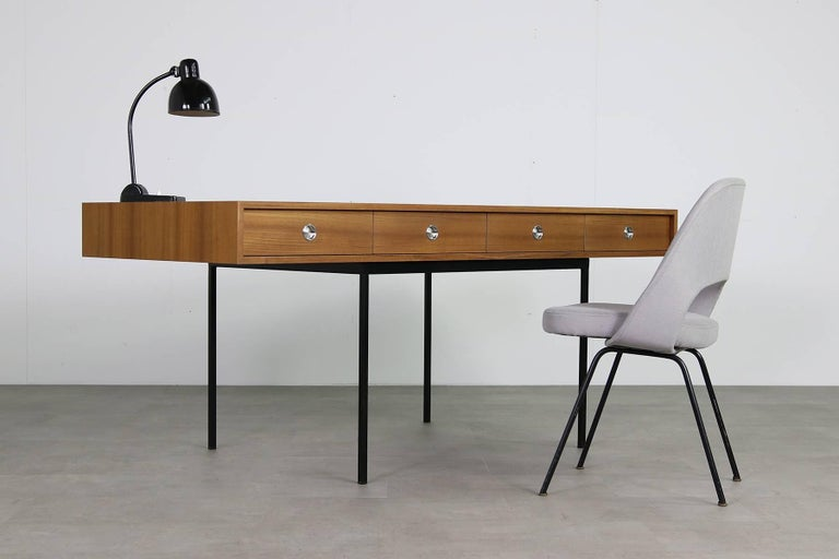 Minimalist Nathan Lindberg Design Teak and Metal Writing Table Mod. NL40 Black For Sale 6