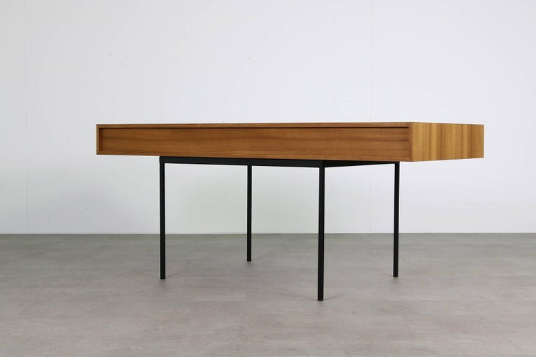 Minimalist Nathan Lindberg Design Teak and Metal Writing Table Mod. NL40 Black In Excellent Condition For Sale In Hamminkeln, DE