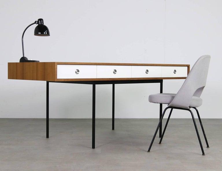 Minimalist Nathan Lindberg Design Teak and Metal Writing Table Mod. NL40 White For Sale 4