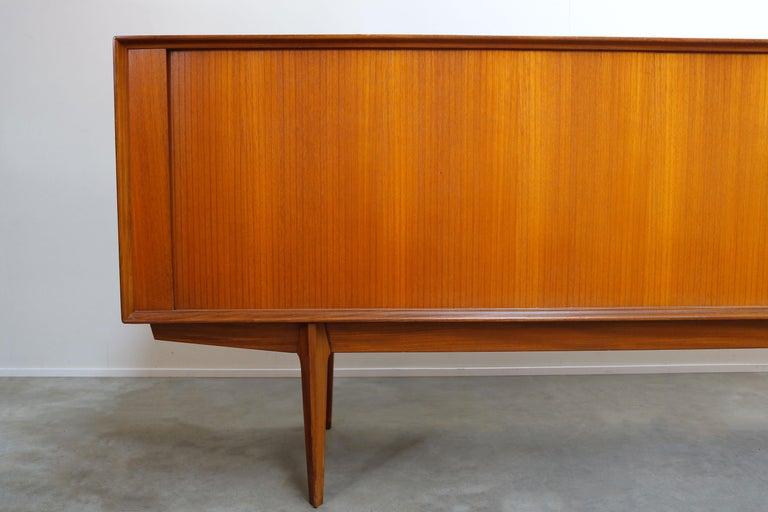 Minimalist Sideboard / Credenza by Oswald Vermaercke for V-Form 1950s in Teak In Good Condition For Sale In Ijzendijke, NL