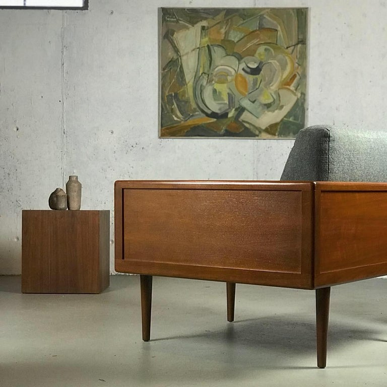 Mid-Century Modern Minimalist Sofa and Lounge Chair by Mel Smilow for Smilow-Thielle For Sale