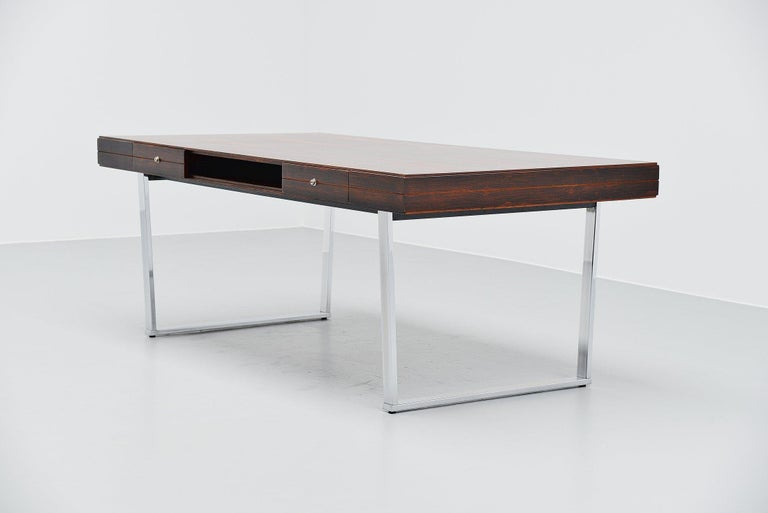 Minimalistic Rosewood Desk Made in Denmark, 1960 In Good Condition For Sale In Roosendaal, Noord Brabant