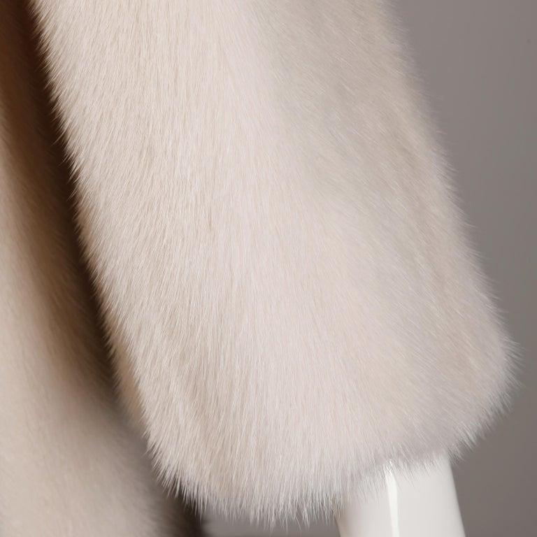 Mink Coat In Excellent Condition In Sparks, NV