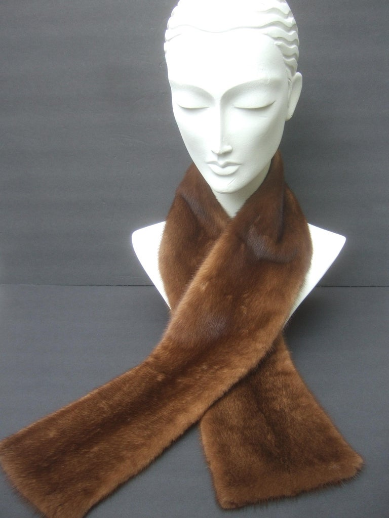 Mink Fur Plush Collar Designed by Pologeorgis from Neiman Marcus c 1990s In Good Condition For Sale In Santa Barbara, CA