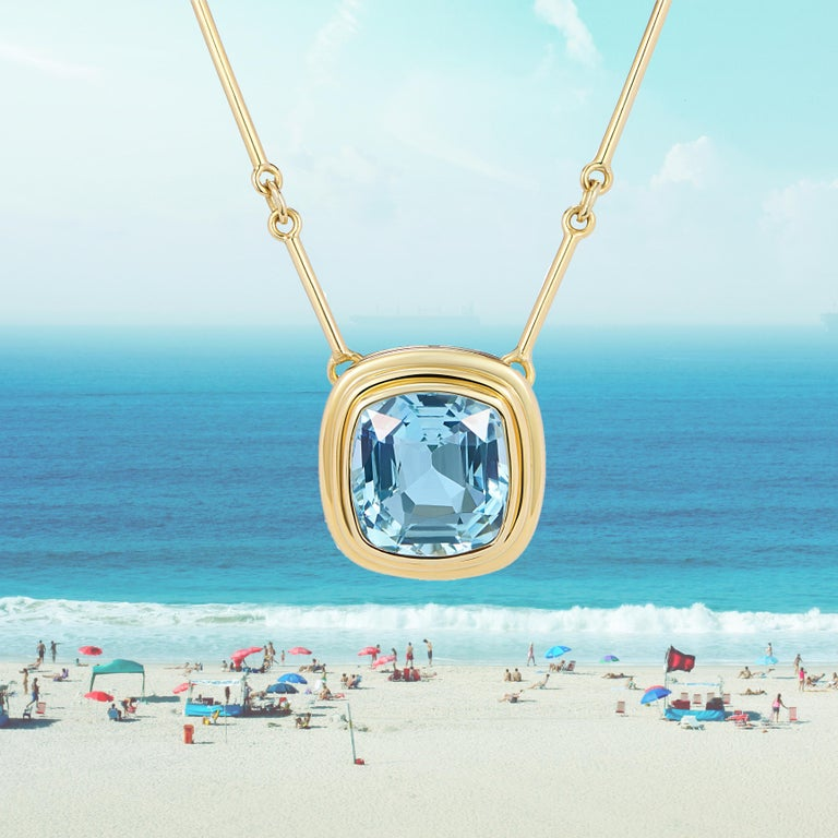 Cushion Cut Minka, Certified 6.97ct Aquamarine Necklace with Gold Chain For Sale