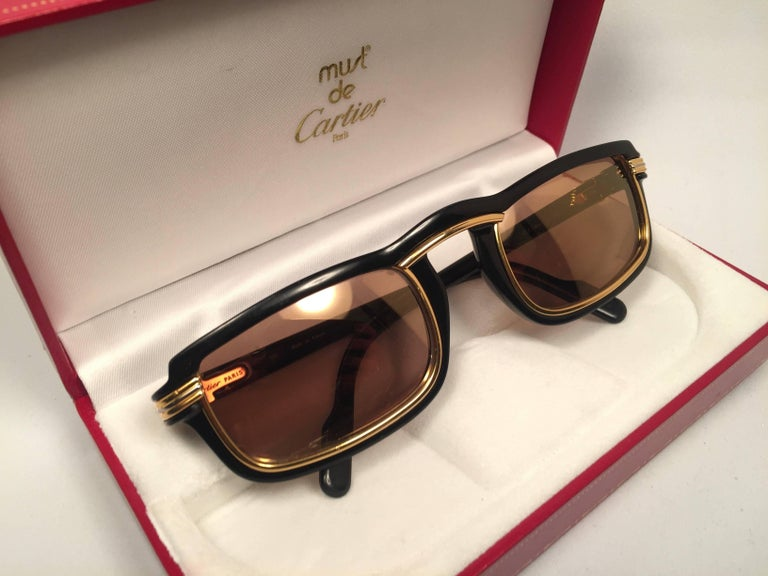 New Cartier Vertigo Gold and Black 52MM Sunglasses France, 1991 In Good Condition For Sale In Amsterdam, Noord Holland