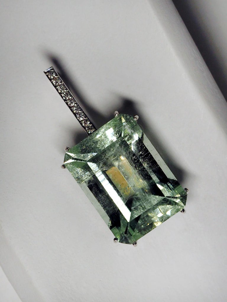 Mint Emerald Diamond Necklace 14K Gold Natural Green Gemstone Christmas Pendant For Sale 8