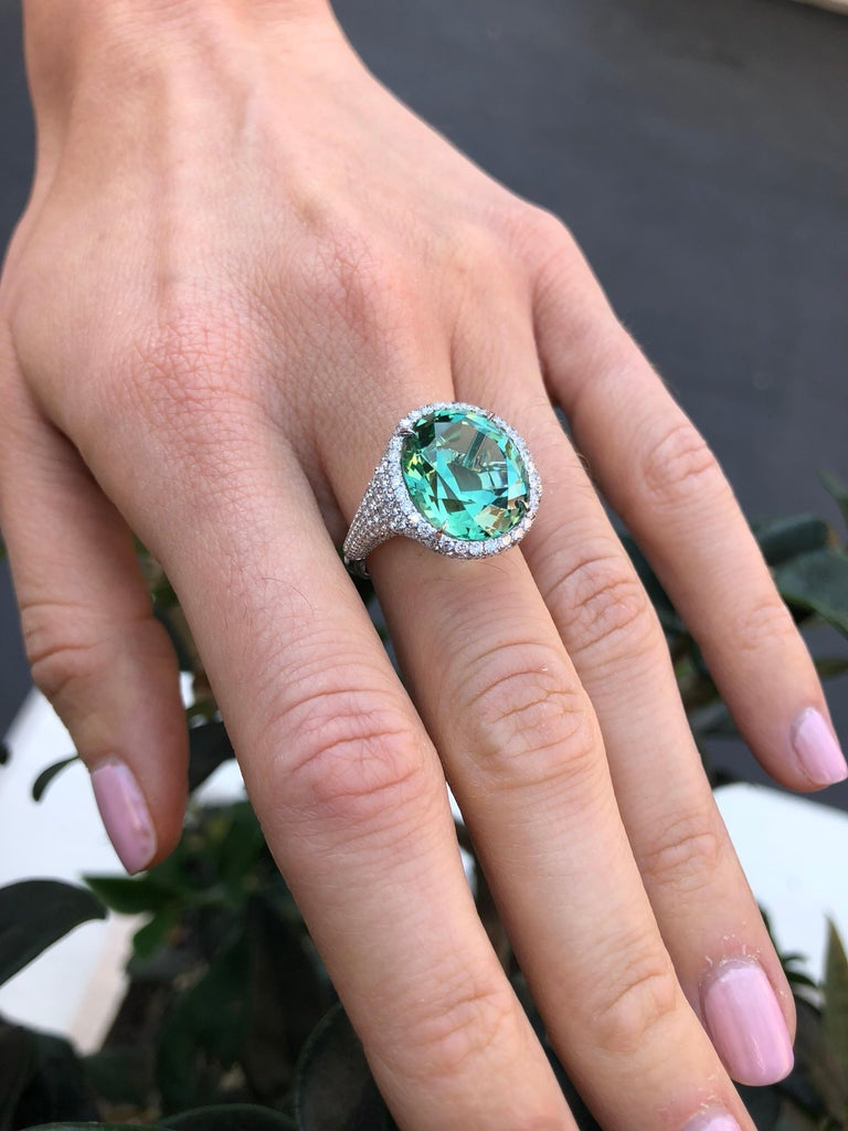 Natural Green Tourmaline Ring Oval 10.40 Carats In New Condition For Sale In Beverly Hills, CA