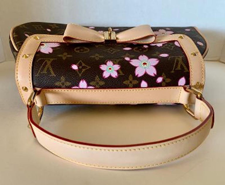 Mint Louis Vuitton Takashi Murakami Limited Edition Retro Cherry Blossom Purse  For Sale 3