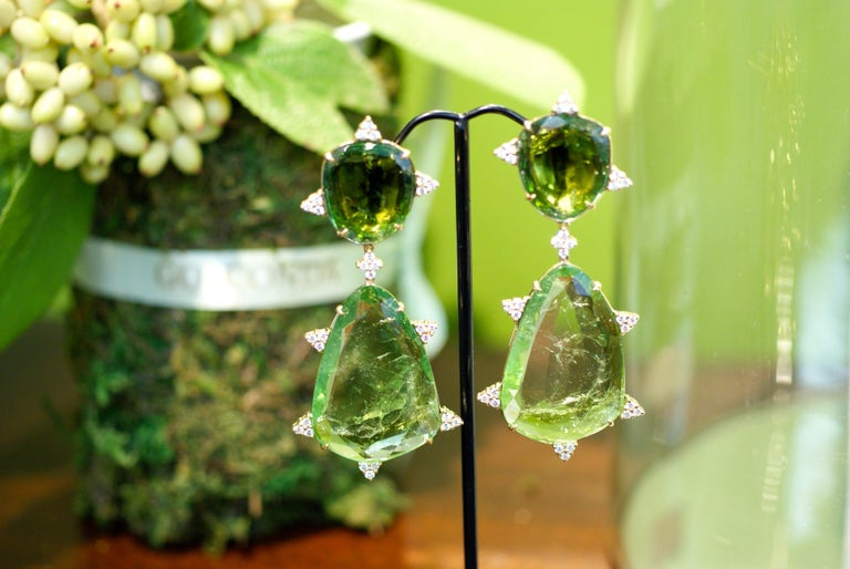 Contemporary Mint Tourmaline, Diamond and 18 Karat Gold Earrings For Sale