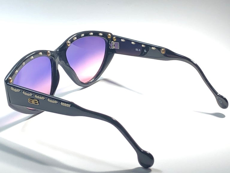 Women's Mint Vintage Balenciaga BS8 1980's Sunglasses Made in France For Sale