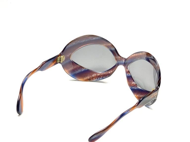 Women's Mint Vintage Pierre Marly Cocktail Oversized Avantgarde 1960's Sunglasses For Sale