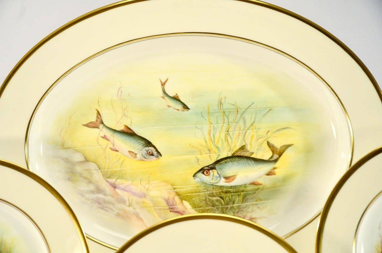 Minton Hand Painted Artist Signed Fish Service with Platter, 12 Plates and Gravy For Sale 3