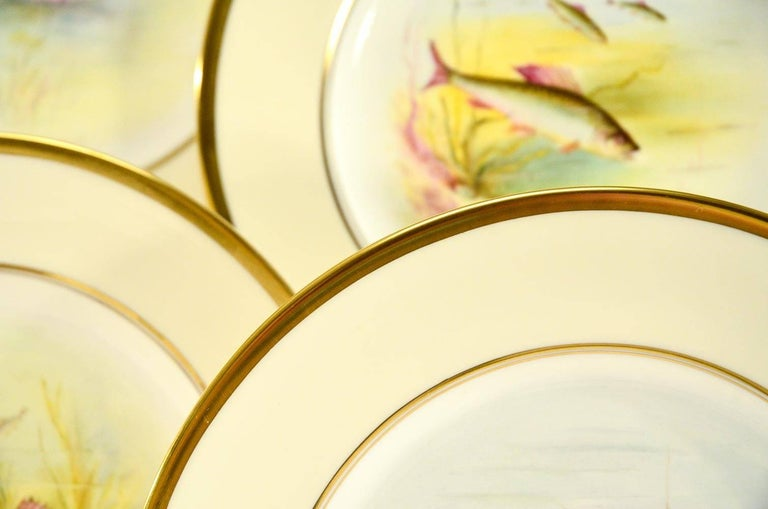 Minton Hand Painted Artist Signed Fish Service with Platter, 12 Plates and Gravy In Excellent Condition For Sale In Great Barrington, MA