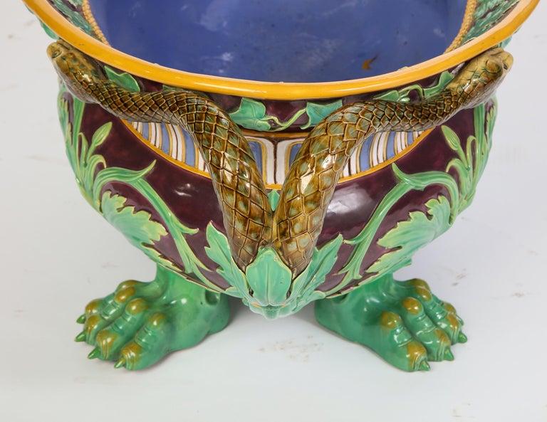 Minton Majolica Aubergine-Ground 'Marochetti' Cistern, Mid-19th Century For Sale 9