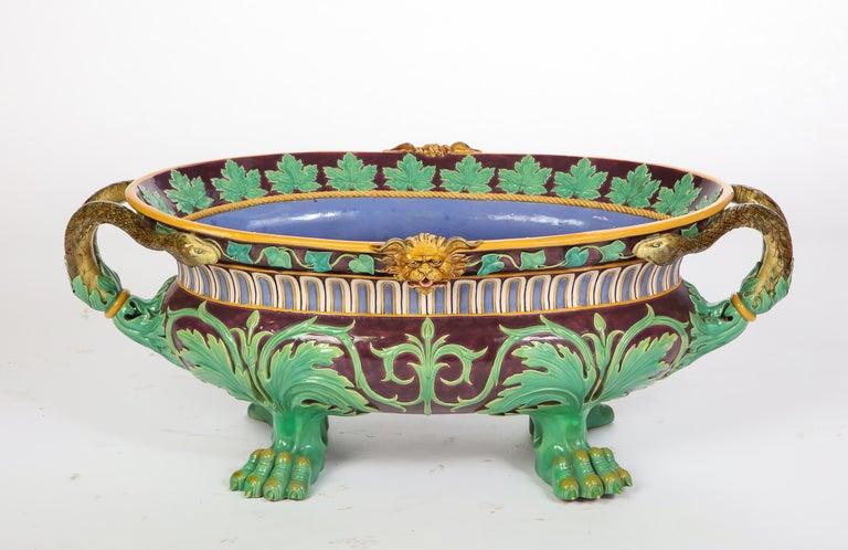 Minton Majolica Aubergine-Ground 'Marochetti' Cistern, Mid-19th Century For Sale 11