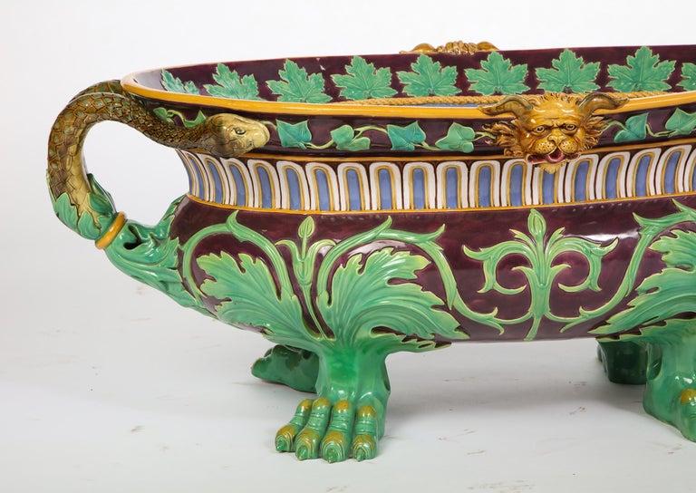 Minton Majolica Aubergine-Ground 'Marochetti' Cistern, Mid-19th Century In Good Condition For Sale In New York, NY