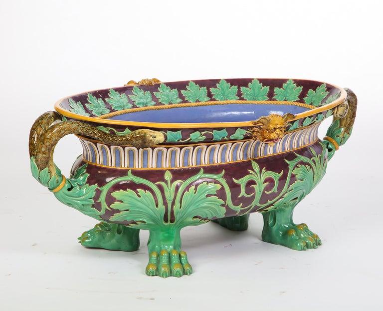 Minton Majolica Aubergine-Ground 'Marochetti' Cistern, Mid-19th Century For Sale 4