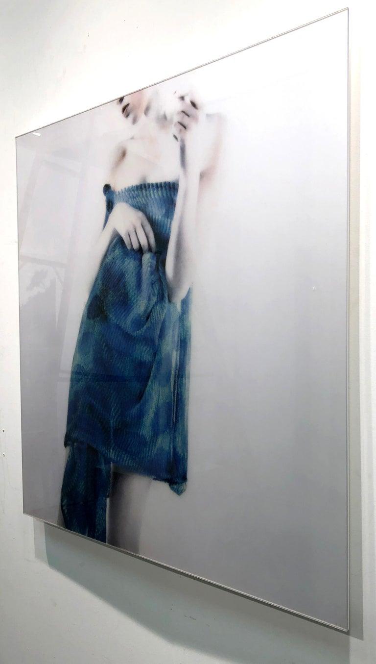 Azul Azul, figurative and feminine photography, Mira Loew, Bright Bodies series For Sale 1