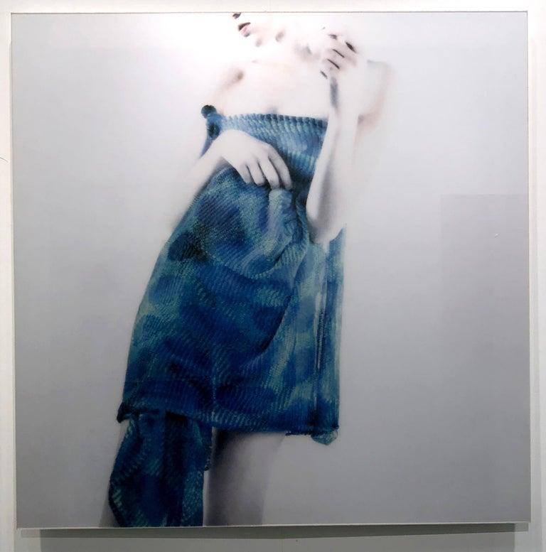 Azul Azul, figurative and feminine photography, Mira Loew, Bright Bodies series - Contemporary Photograph by Mira Loew