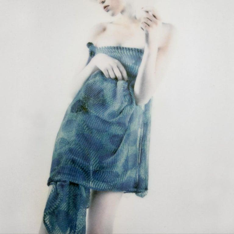 Azul Azul, figurative and feminine photography, Mira Loew, Bright Bodies series - Photograph by Mira Loew