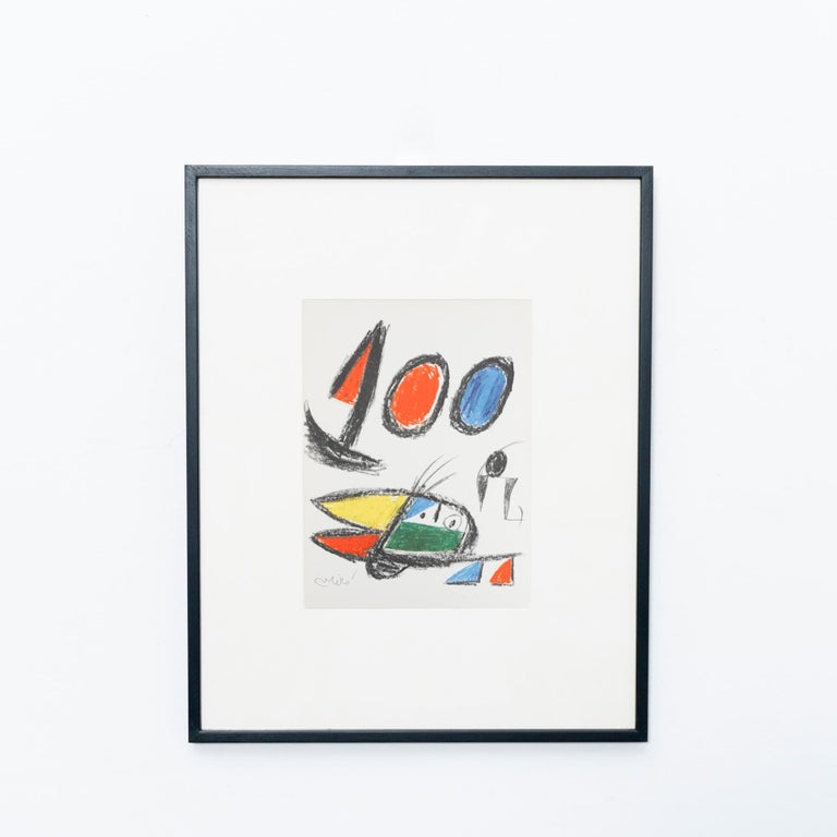 Photolithography by Miró, circa 1970.  Stamped rotogravure reproduction of series by Bolaffiarte. Limited edition of 5000.  Exemplary number 4709.  The photolithography comes framed. The frame on the photos is just an example, it will be