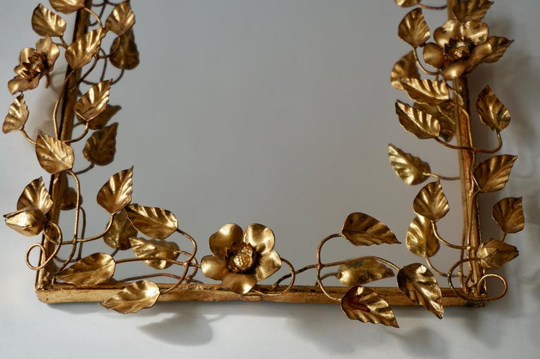 Mirror in Gilded Metal with Vine Leaves Italy, 1970s For Sale 5